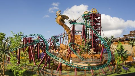 Cobra's Curse:  A Disappointing Coaster with Little Originality