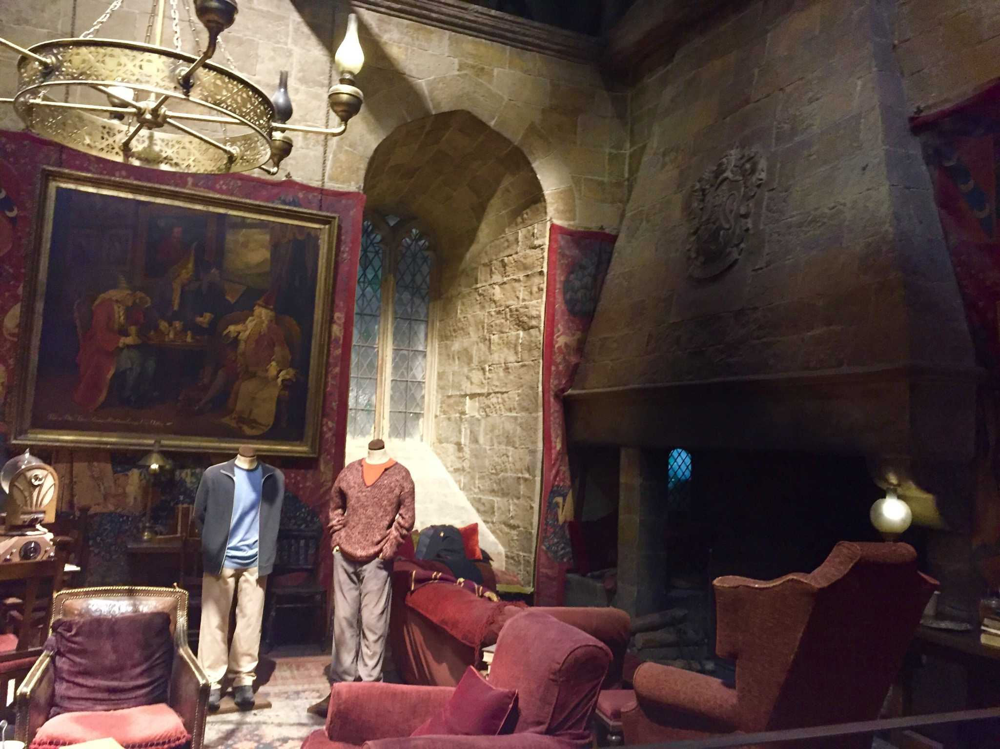 CHILL IN THE DORMS: While at the Hogwarts boarding school, you can hang out in the Common Room with both the boys and girls in your house. Picture above is the Gryffindor Common Room.