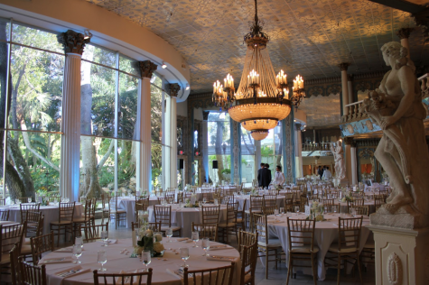 DELIGHTFUL DINING: Berkeley students dined in the stunning Kapok Dining Room adorned with flowers, statues, chandeliers, and columns.