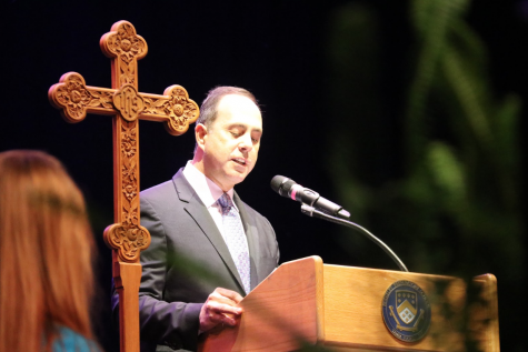 "Bennett Encourages Class of 2019 to Anticipate the ""Fresh Start"""