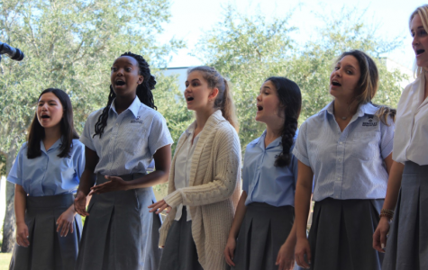 CASUAL DIVAS: The Mello Divas are seen without their traditional black and bright red footwear, but still perform their absolute best! From left: Vicki Freedman '21, Kennedy Perry '20, Katie Fletcher '21, Emily Barron '20, Katherine Nerro '20 and Tallulah Nouss '20.  Photo by Kamora Provine